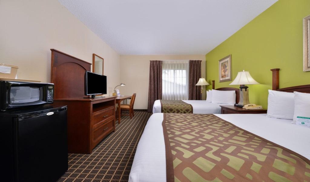 Regency-Inn-Geneseo-Guest-Single-Bed-Room-11