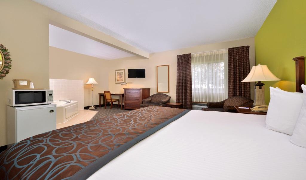 Regency-Inn-Geneseo-Guest-Single-Bed-Room-1