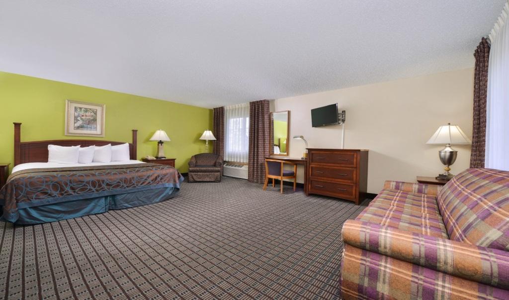 Regency-Inn-Geneseo-Guest-Single-Bed-Room-5