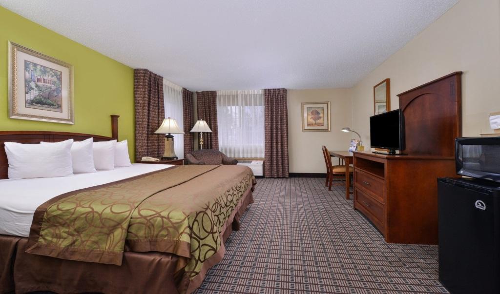 Regency-Inn-Geneseo-Guest-Single-Bed-Room-7