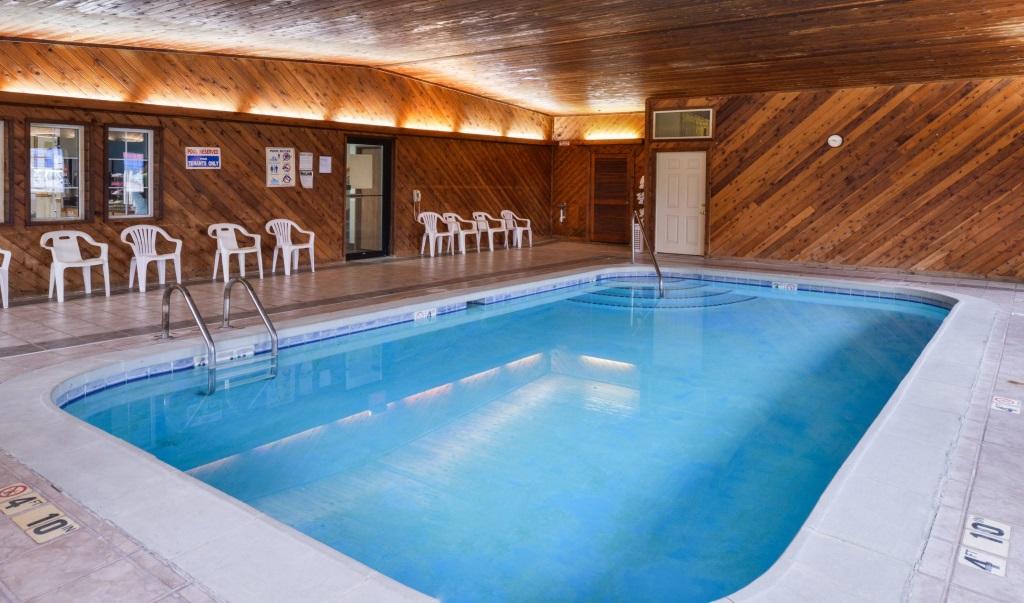 Regency-Inn-Geneseo-Indoor-Pool-2