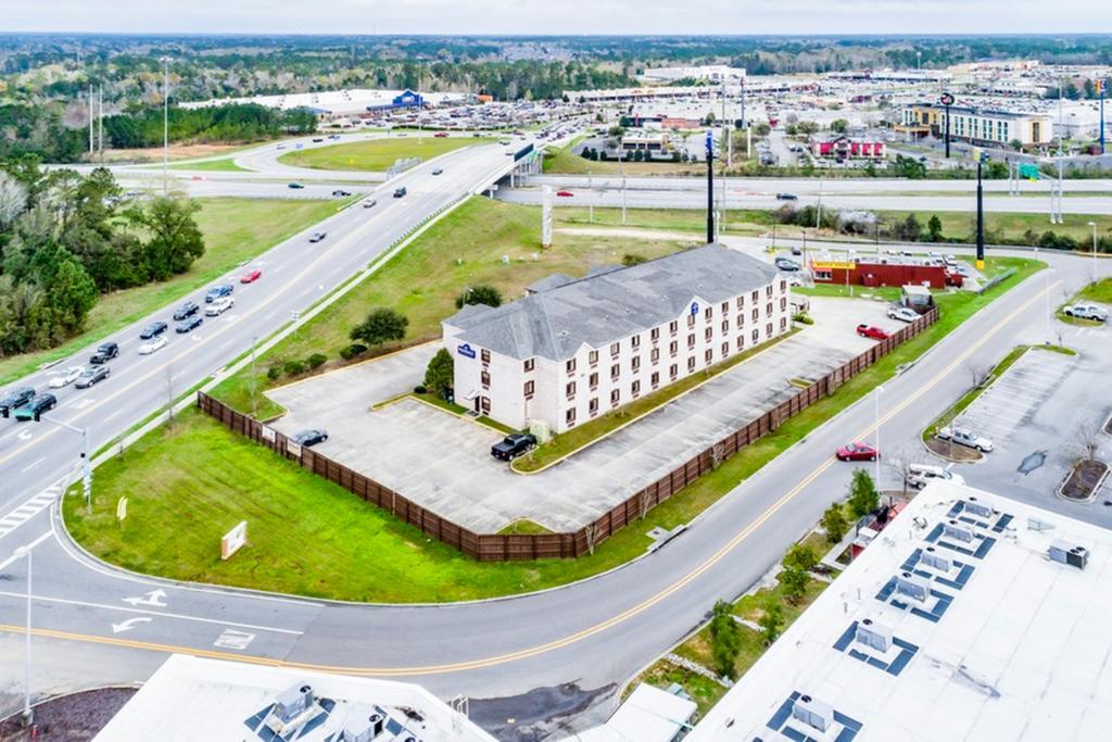 Regency Inn & Suites Biloxi - Aerial View-2