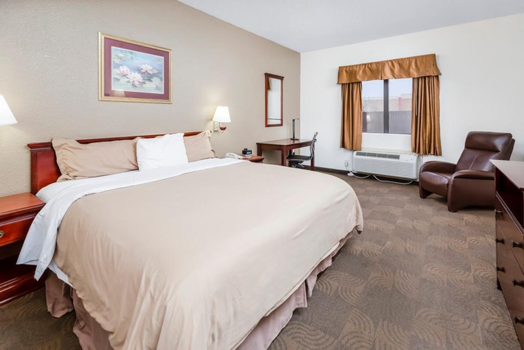 Regency Inn & Suites Biloxi - King Bed Room-1