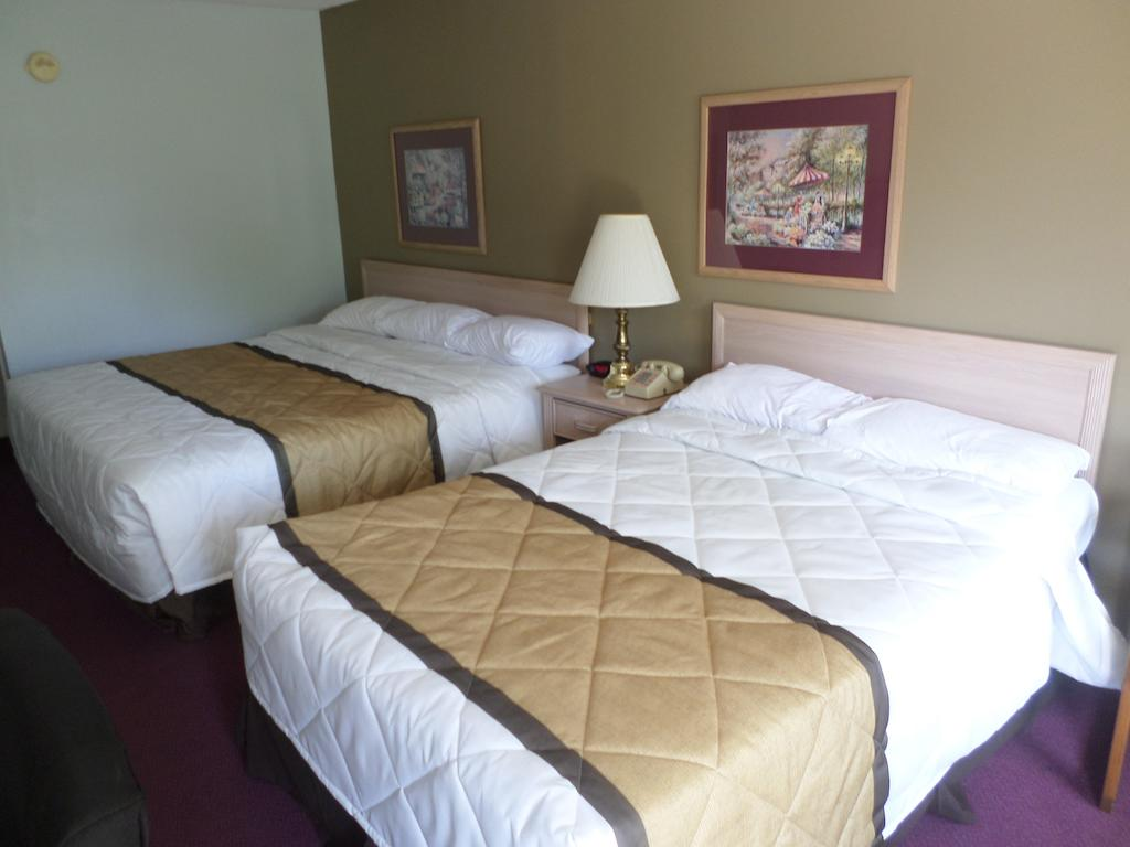 Richland Inn Lewisburg - Double Beds-1