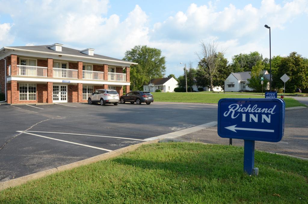 Richland Inn Lewisburg - Exterior-1
