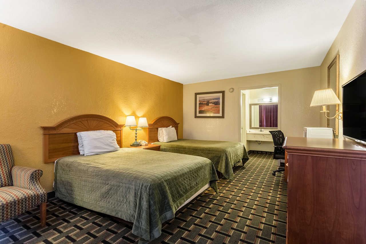 Rodeway Inn Denmark - Double Beds-2