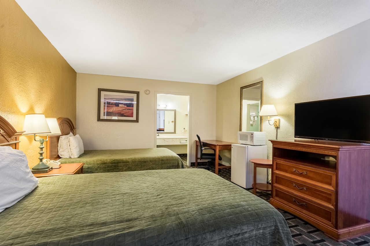Rodeway Inn Denmark - Double Beds-3