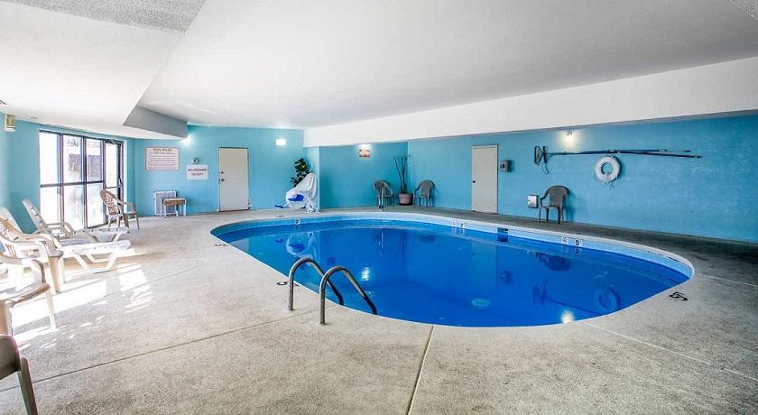 Rodeway Inn & Suites Smyrna - Pool-1