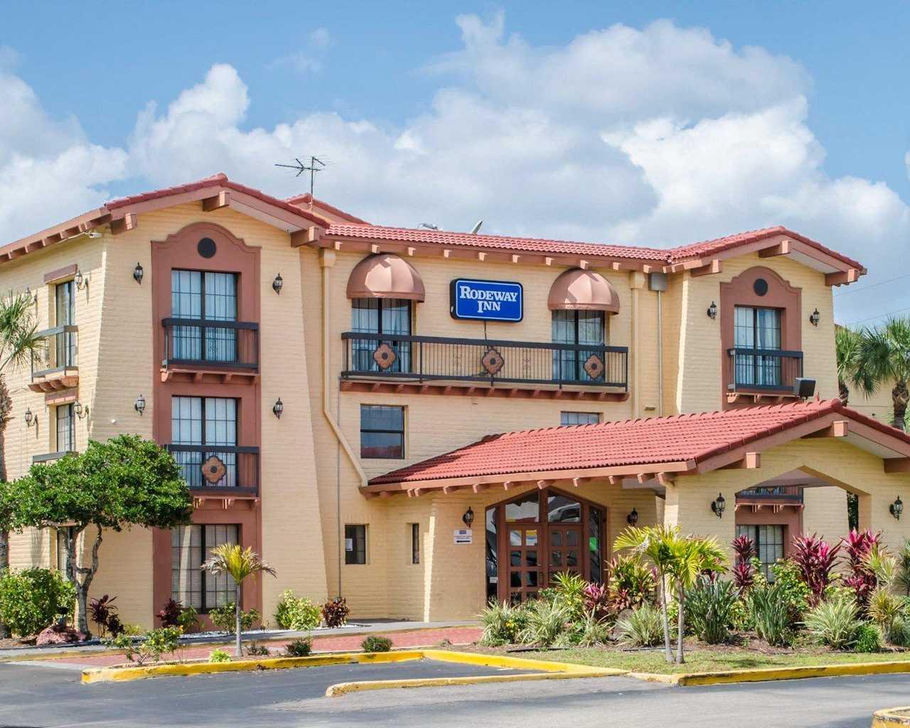 Rodeway Inn & Suites Tampa - Exterior-3