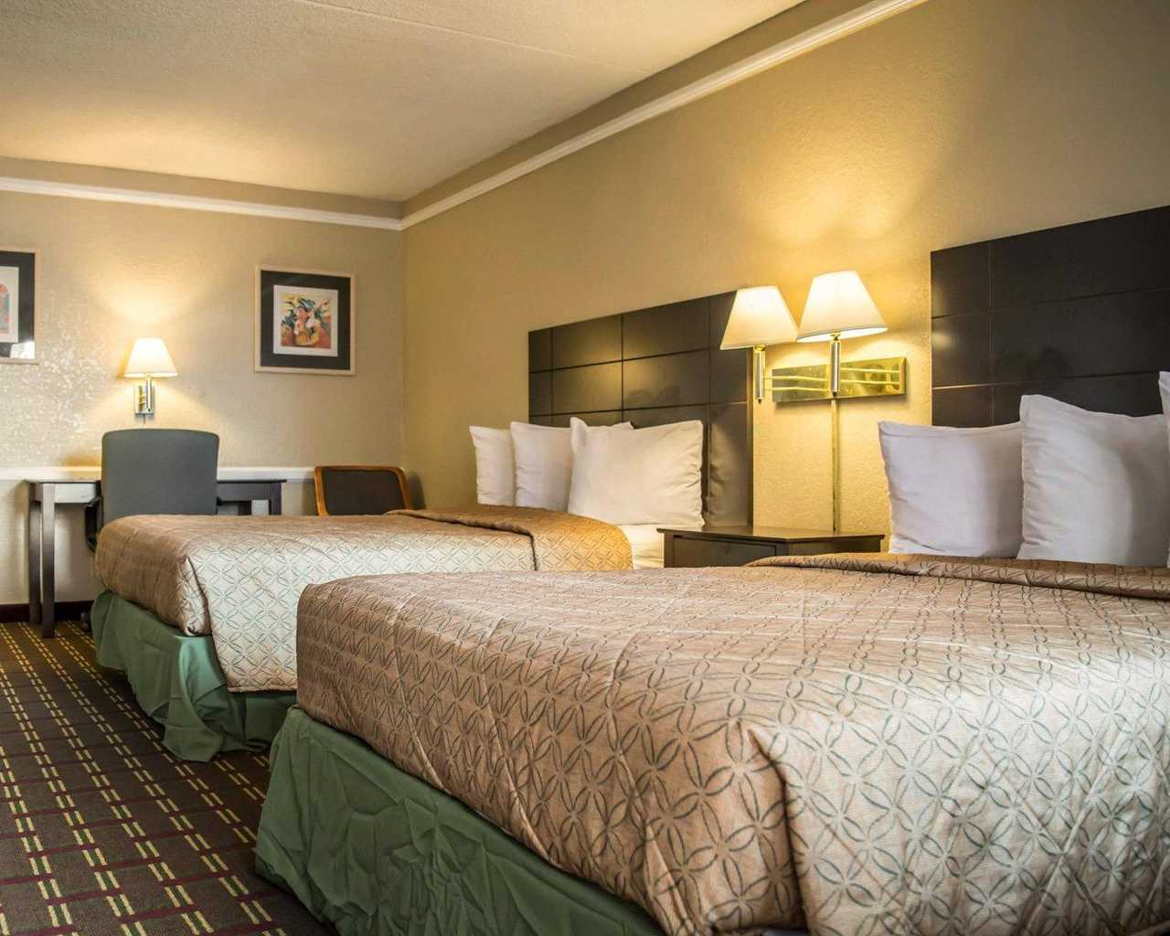 Rodeway Inn & Suites Tampa - Double Beds-2