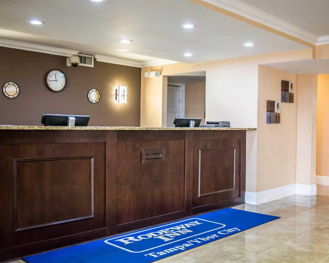 Rodeway Inn & Suites Tampa - Lobby-1