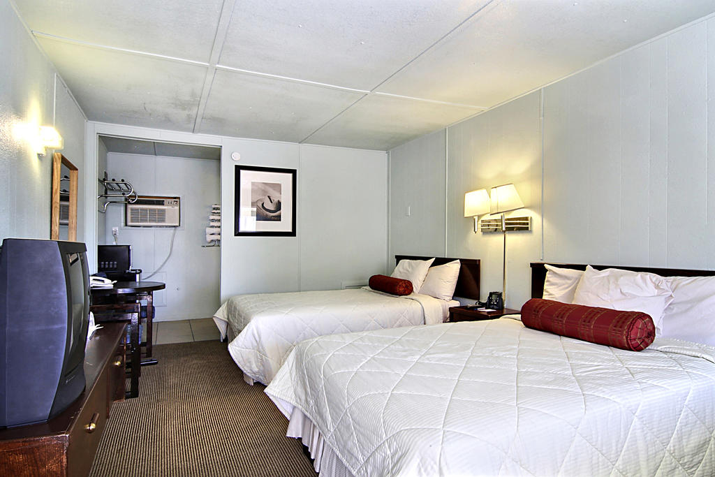 Route 66 Inn - Double Beds-1
