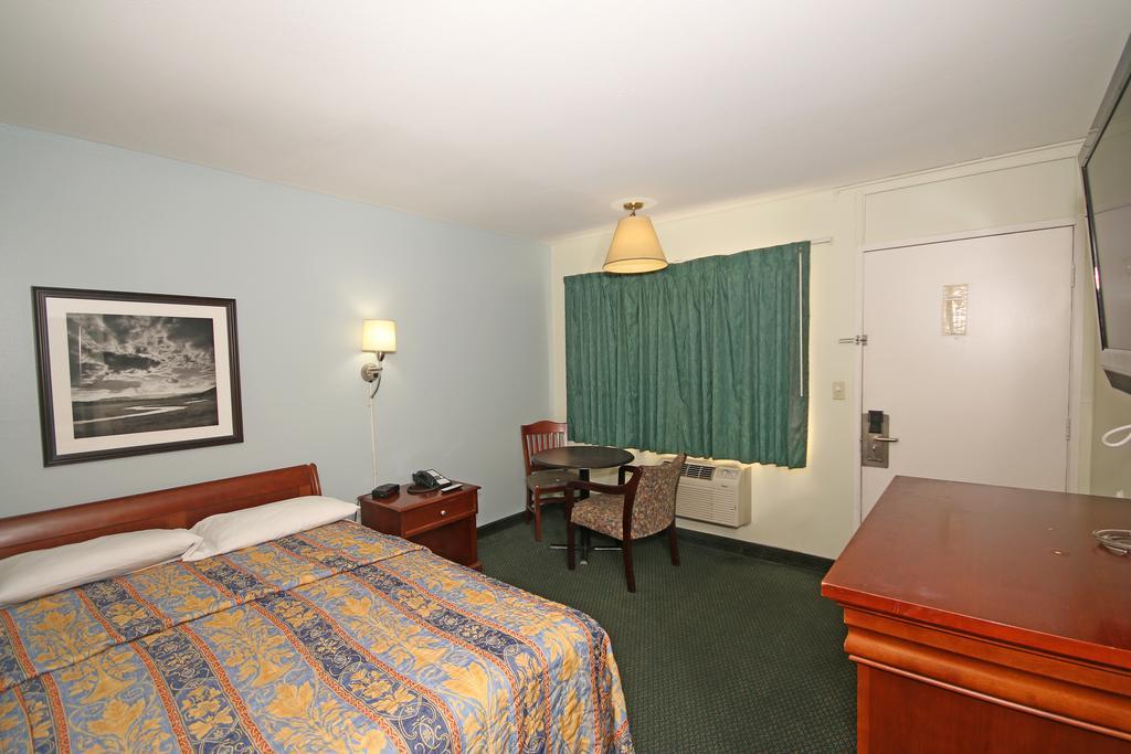 Royal Inn Charlotte Airport Hotel - Single Bed-2