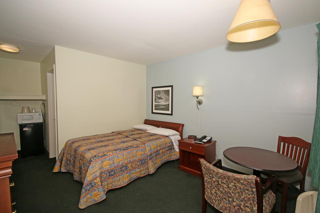 Royal Inn Charlotte Airport Hotel - Single Bed-3
