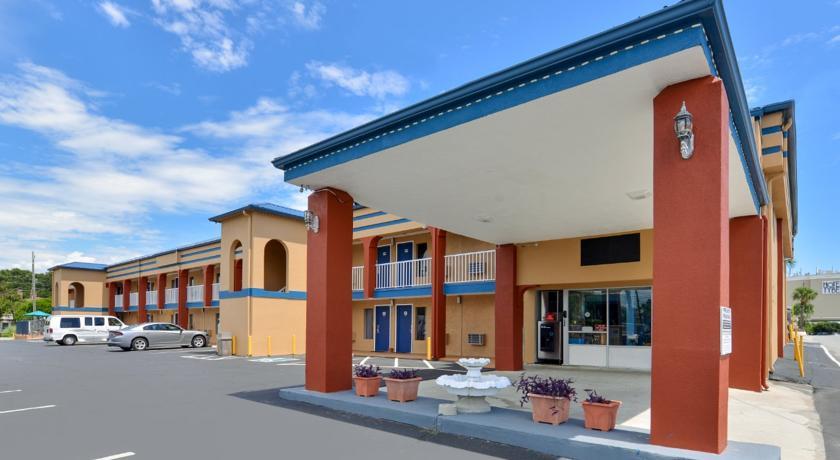 Sandcastle Inn Tybee Island - Exterior-2