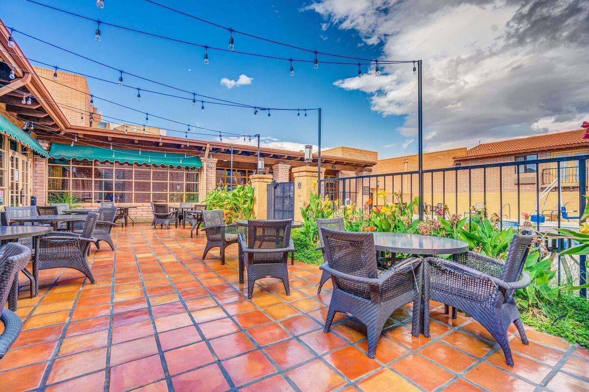 Sierra Suites - Rooftop Launge