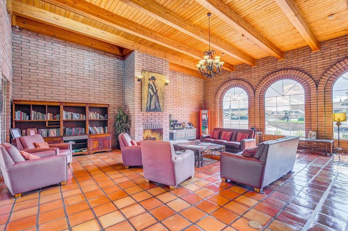 Sierra Suites - Lobby Area-7