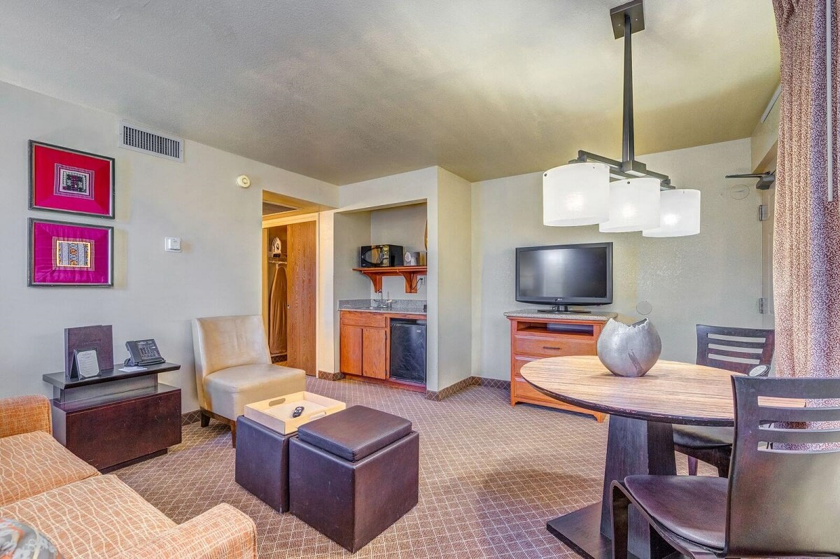 Sierra Suites - Single Room-4