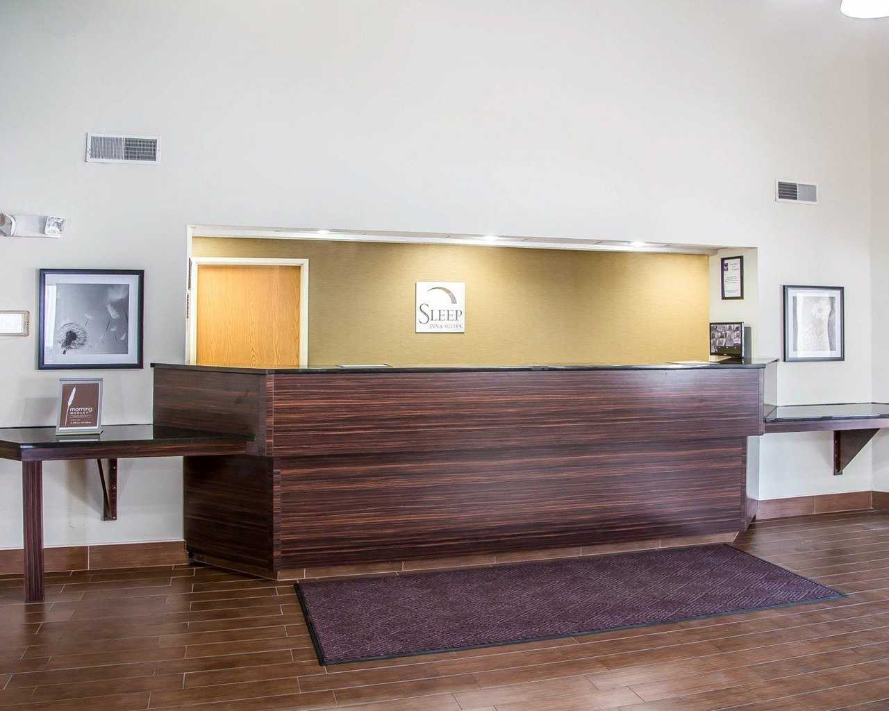 Sleep Inn & Suites Davenport - Lobby-1