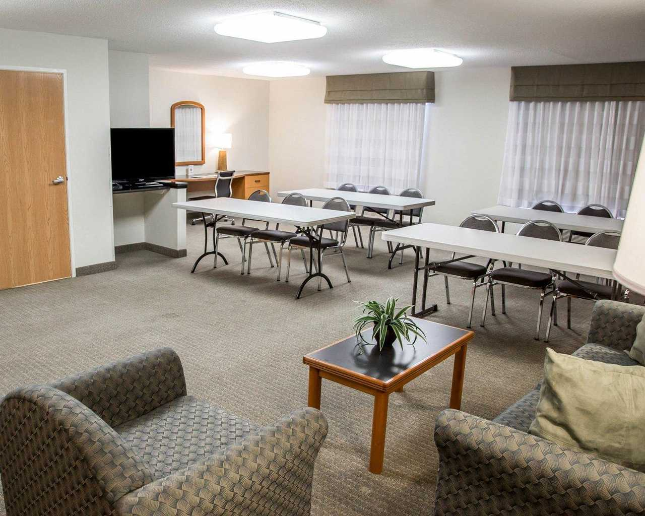 Sleep Inn & Suites Davenport - Meeting Area