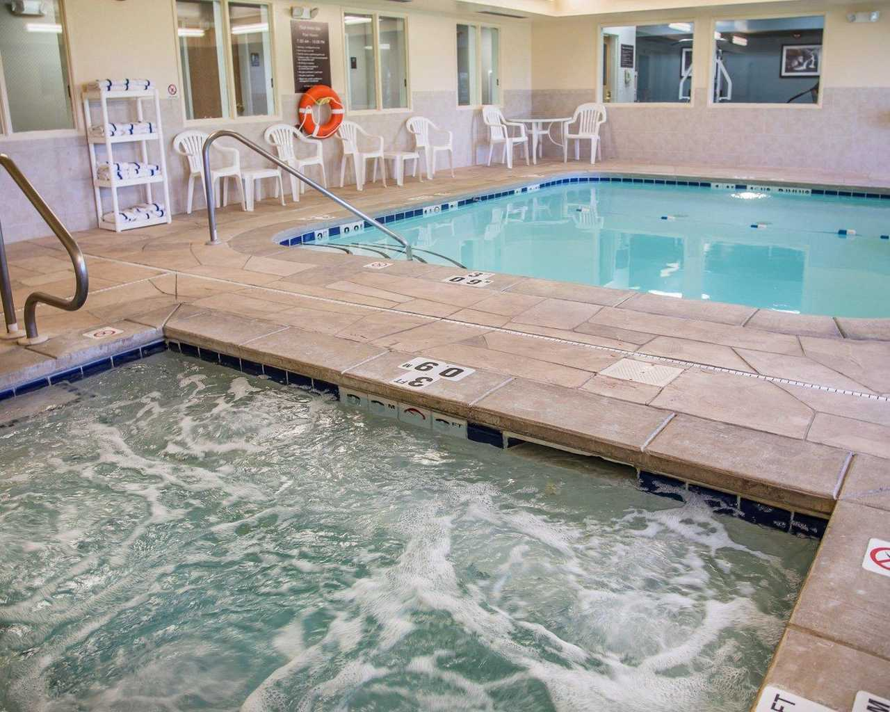 Sleep Inn & Suites Davenport - Pool