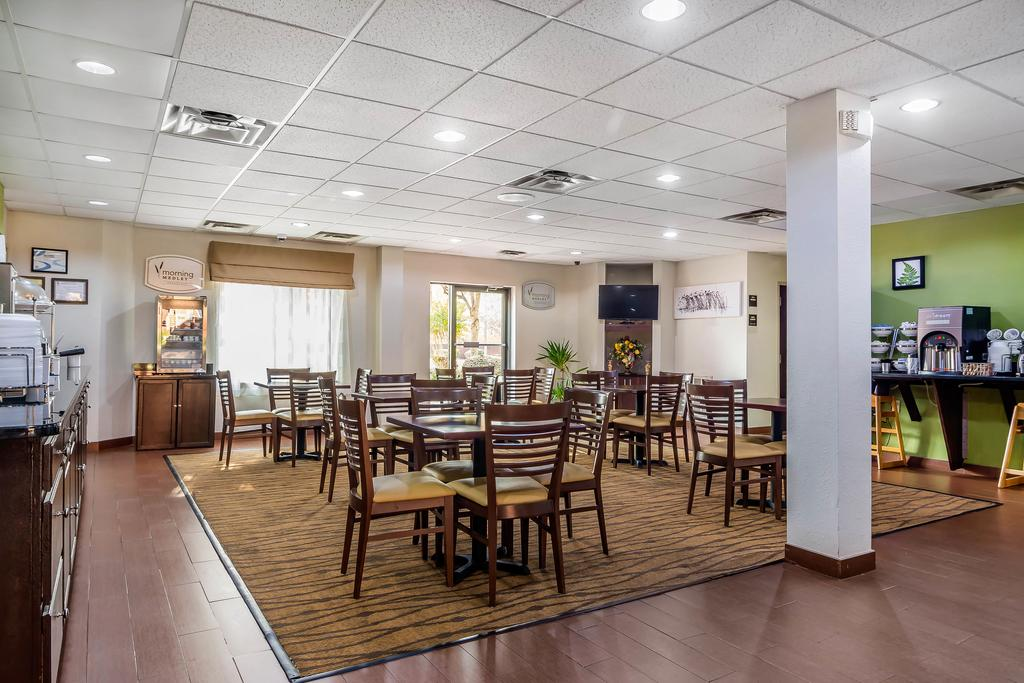 Sleep Inn Peachtree City - Breakfast Area-3