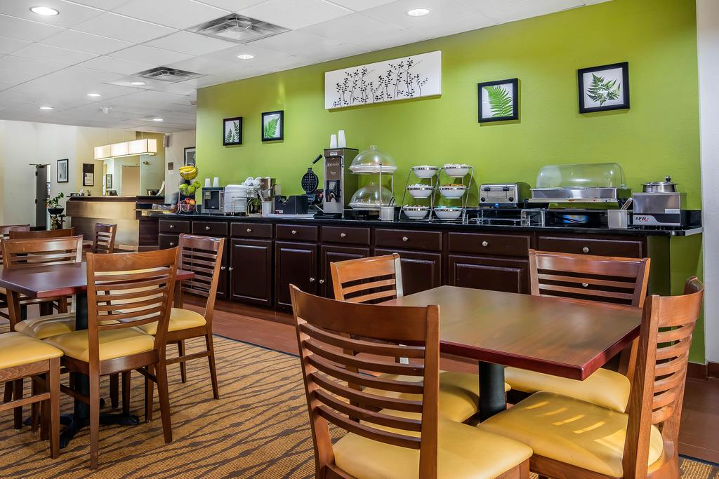 Sleep Inn Peachtree City - Breakfast Area-1