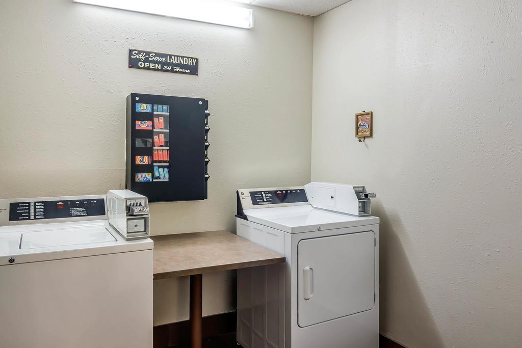 Sleep Inn Peachtree City - Laundry Area