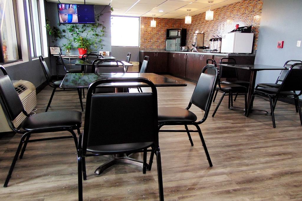 Somatel Nashville Airport - Dining Area