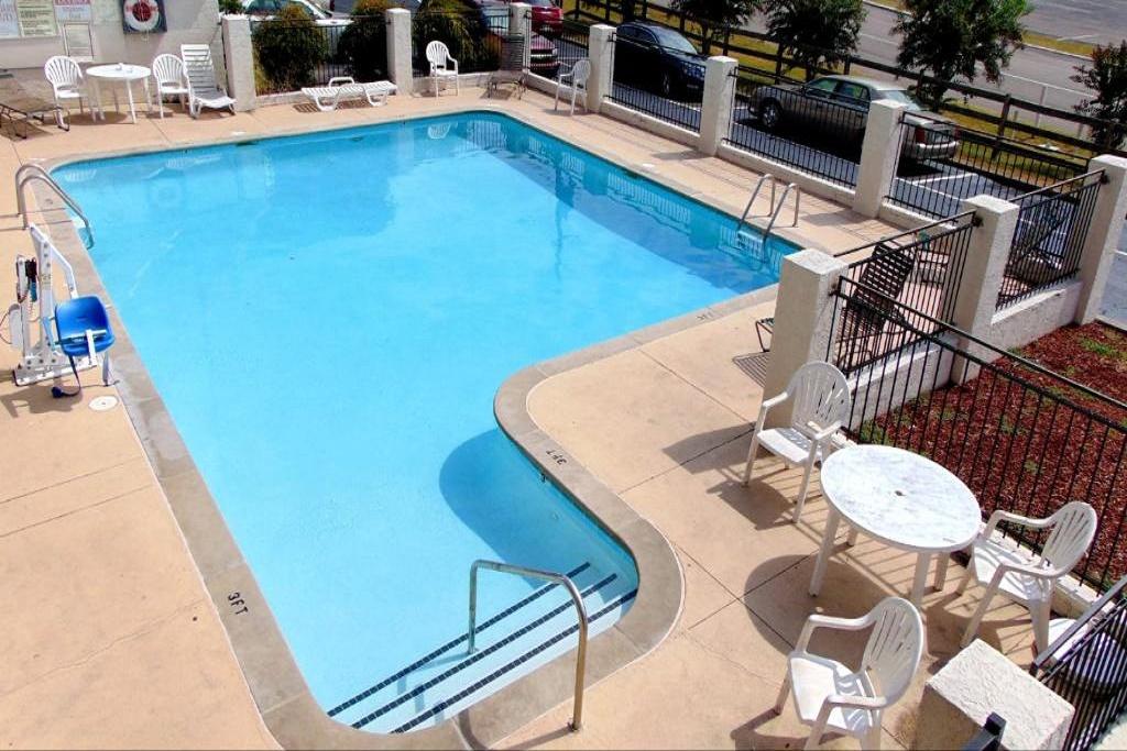 Somatel Nashville Airport - Outdoor Pool
