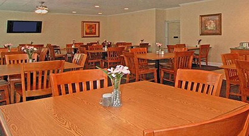 Super Value Inn Fredericksburg - Dining Area