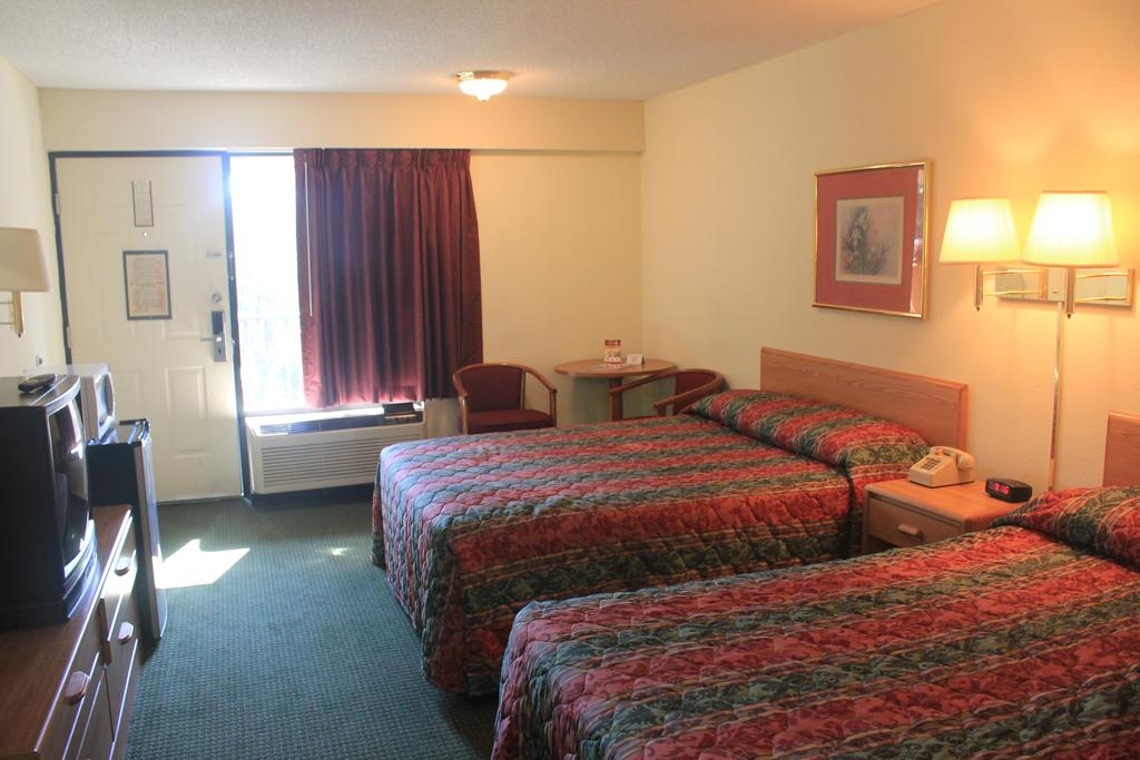 Super Value Inn Valdosta - Double Beds-3