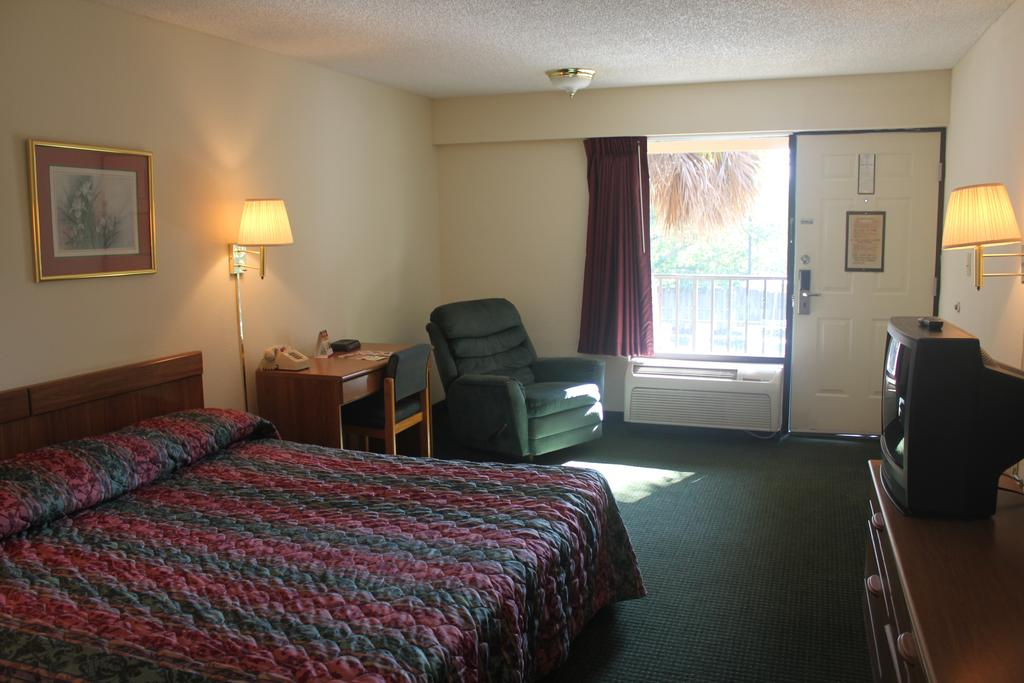 Super Value Inn Valdosta - Single Bed-1