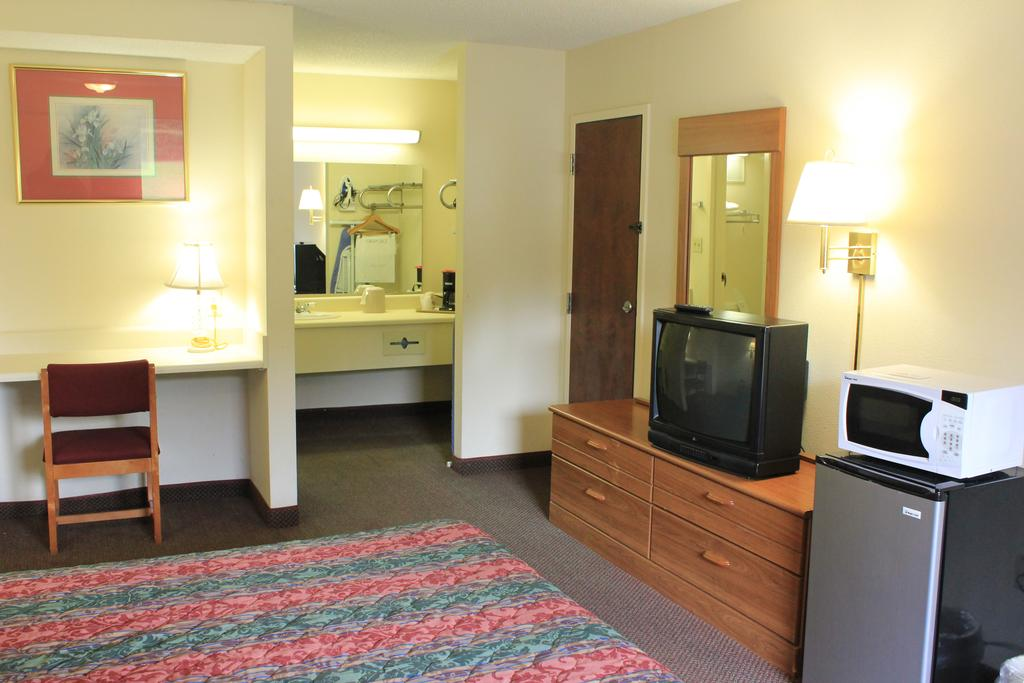 Super Value Inn Valdosta - Single Bed-3