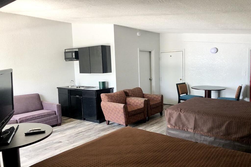 Tarpon Inn - Double Beds Room-3