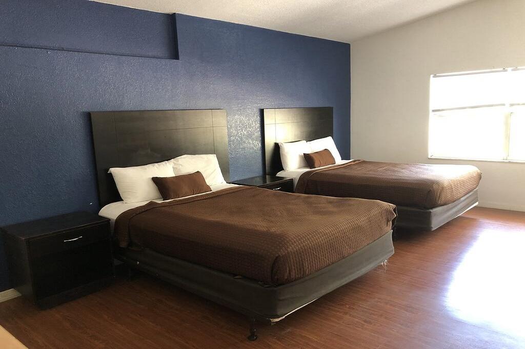 Tarpon Inn - Double Beds Room-4