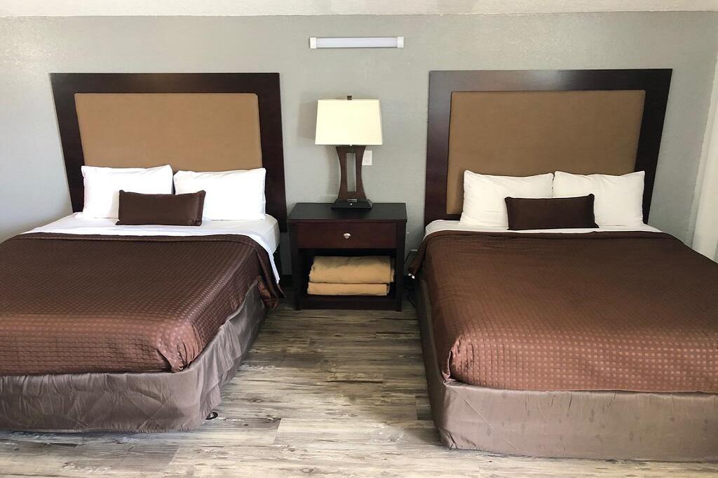 Tarpon Inn - Double Beds Room-1