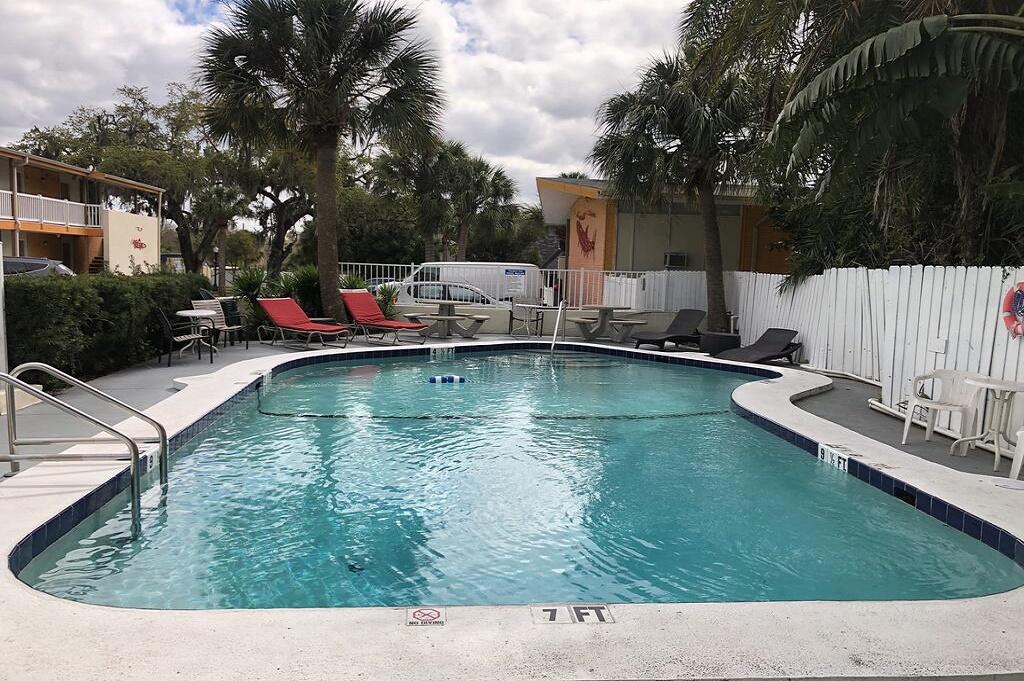 Tarpon Inn - Outdoor Pool-2
