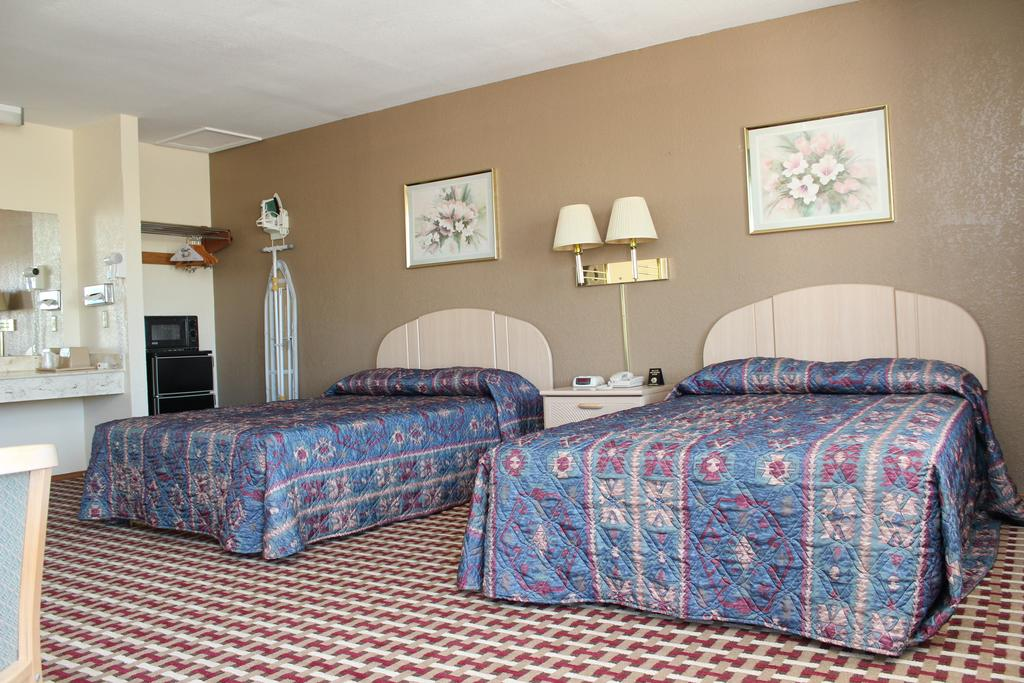 Texas Inn and Suites San Benito - Double Beds Room