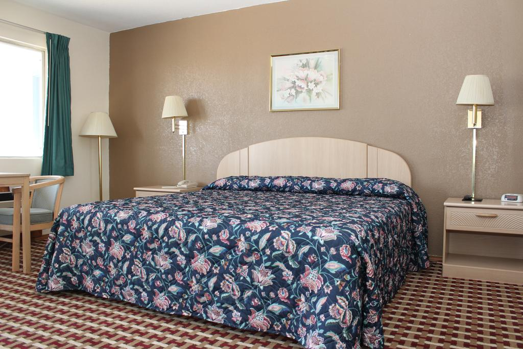 Texas Inn and Suites San Benito - Single Bed