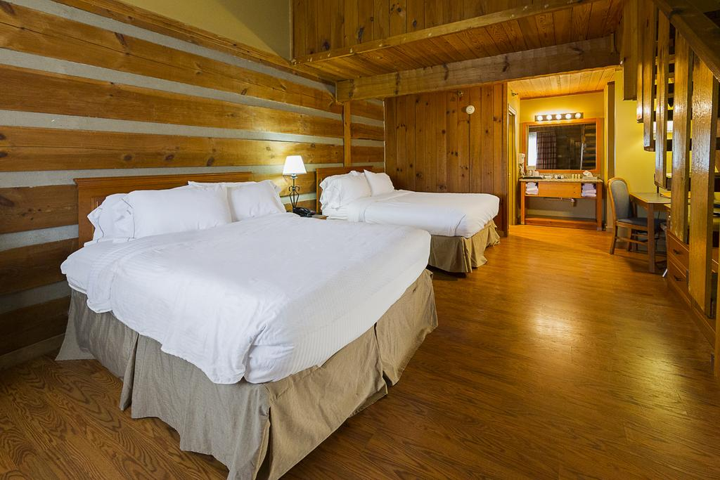 Timbers Lodge Pigeon Forge - Double Beds-1