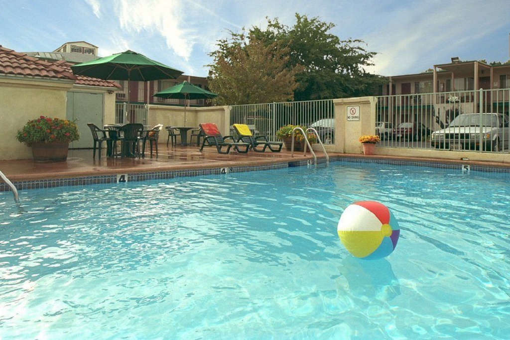 University Inn Chico - Outdoor Pool