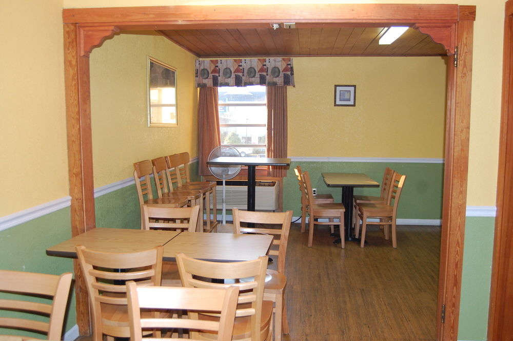 Vacation Lodge - Dining Area-1