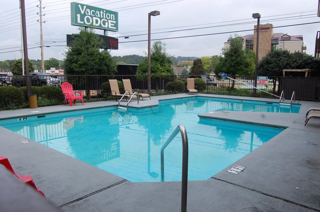 Vacation Lodge - Pool-1